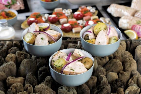 Poulet grillé, pommes de terre rattes et oignons rouges (pokebowl)
