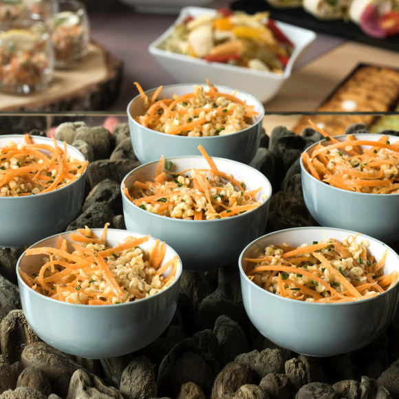 Salade de boulgour façon taboulé, carottes vichy et cumin (pokebowl)