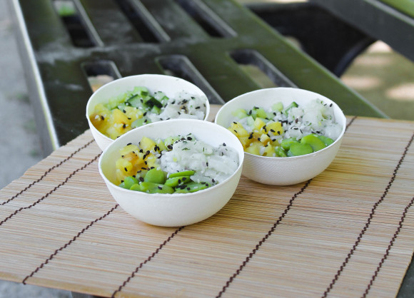 Cabillaud ananas, concombre, riz, sésame et fèves de soja (pokebowl)