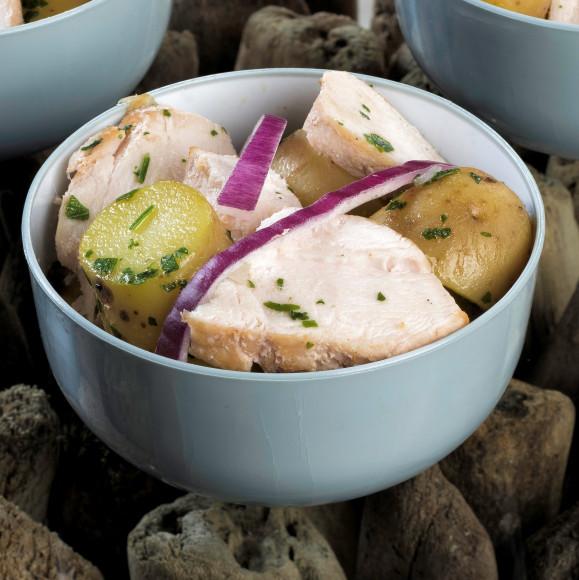 Salade de pommes de terre rattes, poulet et oignons rouges (1 kg)