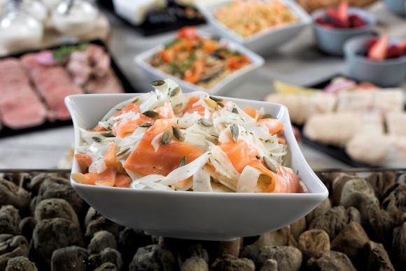 Salade de fenouil aux graines de courge torréfiées, saumon fumé (1 kg)