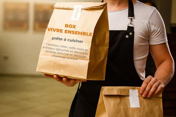 Box Vivre ensemble prête à cuisiner (carottes, céleri, radis roses, poireaux et ananas épluchés et découpés, pommes et kiwis)